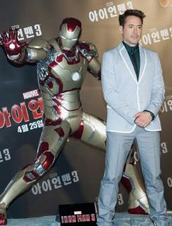Robert Downey Jr. en Korea durante el Tour promocional de Iron Man 3 (2013)