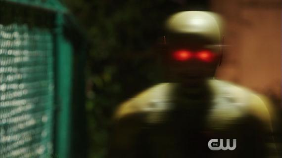 Captura de la promo del noveno episodio de The Flash: The Man in the yellow suit