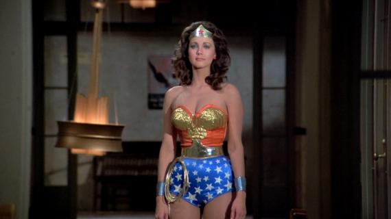 Lynda Carter en la serie Wonder Woman '77