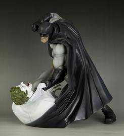 Figura Batman vs Joker del cómic Batman: The Dark Knight Returns, creada por Kotobukiya