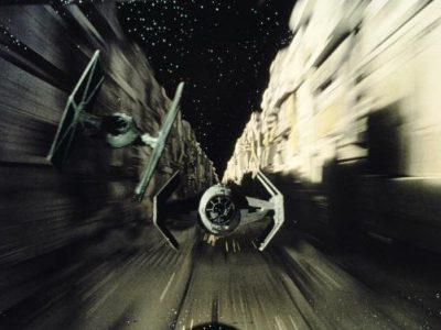 Imagen cabecera de entrada: [Cine] Emilia Clarke termina su rodaje de la película de Han Solo y Ron Howard comparte otra imagen del set