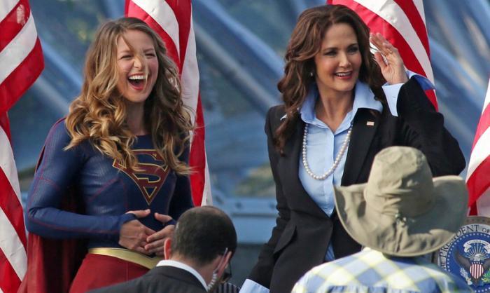 Imagen cabecera de entrada: [Cine] Melissa Benoist como Supergirl y Lynda Carter en un curioso spot de Wonder Woman