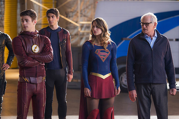 Imagen cabecera de entrada: [Series] Imágenes del set nos muestran la ambientación del crossover musical de The Flash y Supergirl y un regreso en Legends of Tomorrow