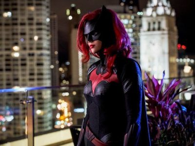 Imagen cabecera de entrada: [Series] Se confirma que Batman no aparecerá en la primera temporada de Batwoman