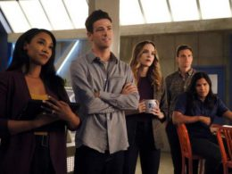 Imagen cabecera de entrada: [Series] Comentarios y audiencias de The Flash 6×01: Into the void