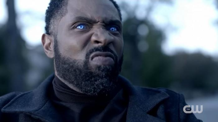 Captura de la temporada 4 de Black Lightning (2021)