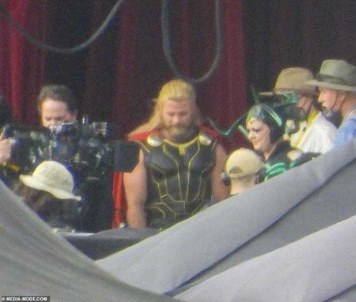 Imagen filtrada de Melissa McCarthy y Luke Hemsworth en el set de Thor: Love and Thunder (2021)
