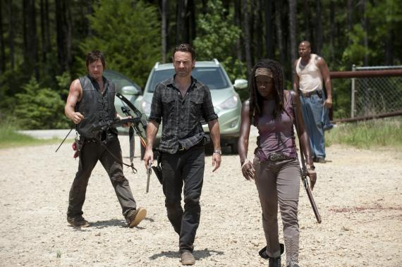 Imagen del episodio 3.07: When the Dead Come Knocking, de la tercera temporada de The Walking Dead (2012)
