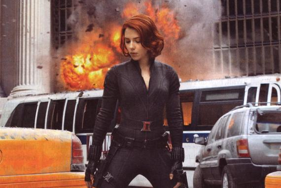 Imagen de The Avengers escaneada de la revista Entertainment Weekly