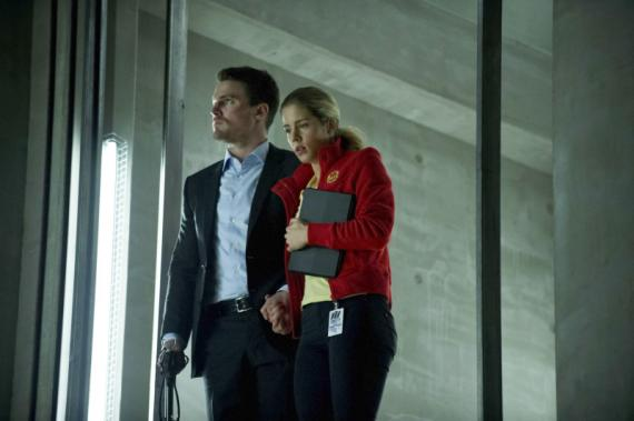Arrow 1x22: Darkness on the edge of town