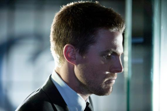 Arrow 2x01 - City of Heroes