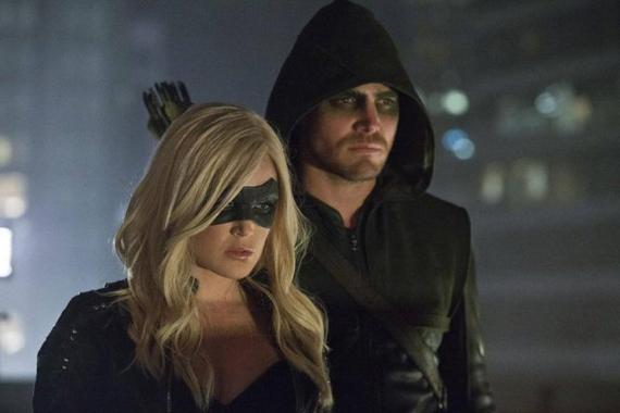 Green Arrow y Canario Negro juntos en Arrow