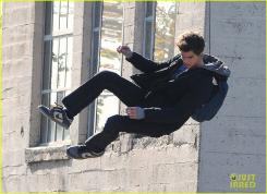 Andrew Garfield en el set de The Amazing Spider-Man en Los Angeles