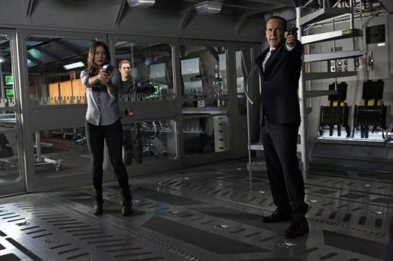 Imagen del episodio 1x17: Turn, Turn, Turn, de la serie Marvel's Agents of S.H.I.E.L.D. (2013)
