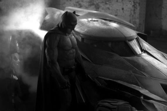 Primer vistazo a Batman y al Batmóvil de Batman vs. Superman (2016)