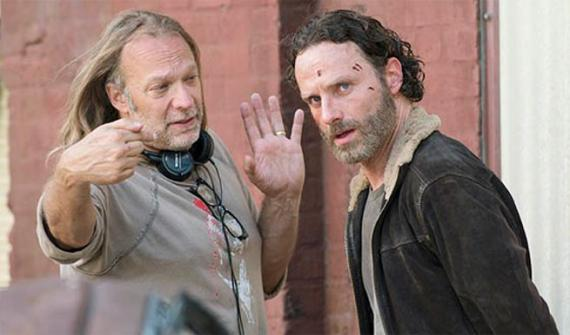 Greg Nicotero y Andrew Lincoln (Rick Grimes) en el set de la quinta temporada de The Walking Dead