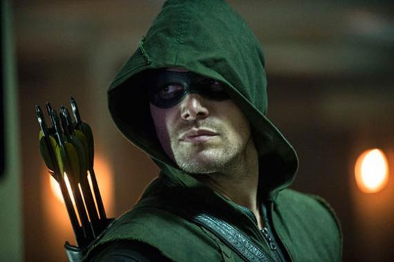 Arrow 3x01 - The Calm