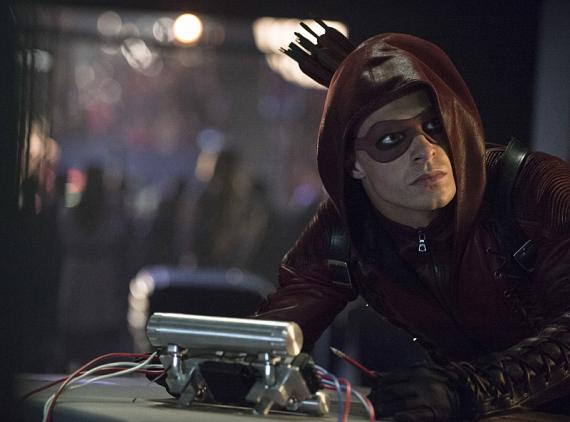 Arrow 3x01 - The Calm — Roy Harper