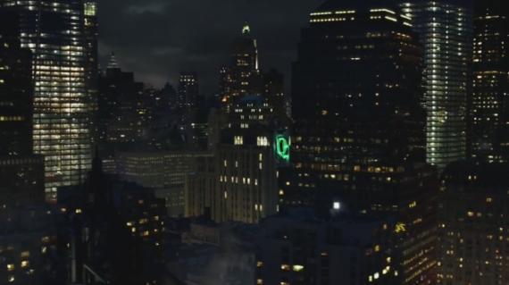 Huevo de pascua de Queen Consolidated en el segundo episodio de Gotham