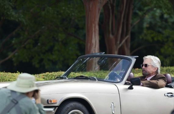 Michael Douglas como Hank Pym en el set de Ant-Man (2015) en Atlanta