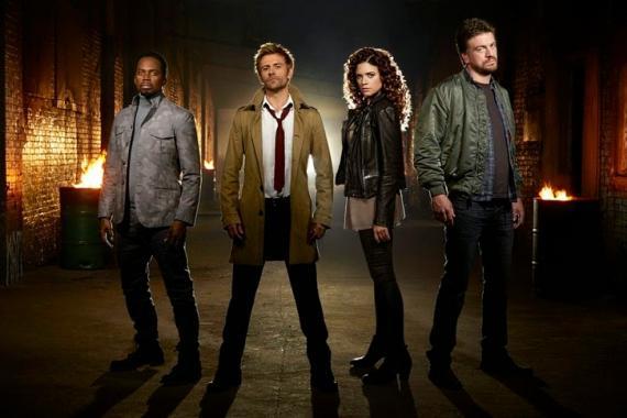 Imagen promocional del reparto de la serie Constantine