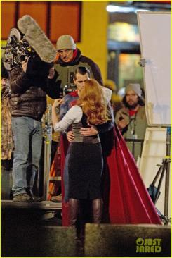 Amy Adams como Lois Lane y Henry Cavill como Superman en el set de Batman v Superman: Dawn of Justice (2016)
