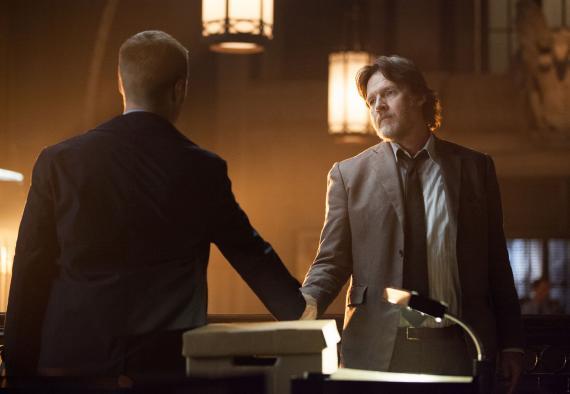 Imagen del episodio 1x10: Lovecraft de la primera temporada de Gotham (2014- ?)