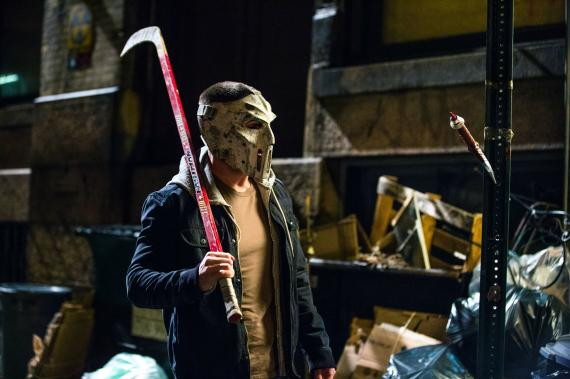 Primer vistazo oficial a Stephen Amell como Casey Jones en Teenage Mutant Ninja Turtles 2 (2016)