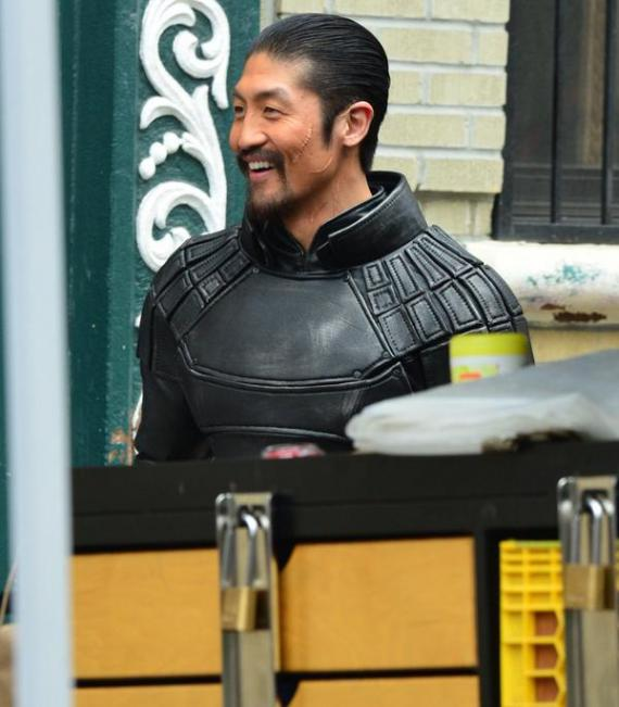 Brian Tee en el set de Teenage Mutant Ninja Turtles 2 (2016)