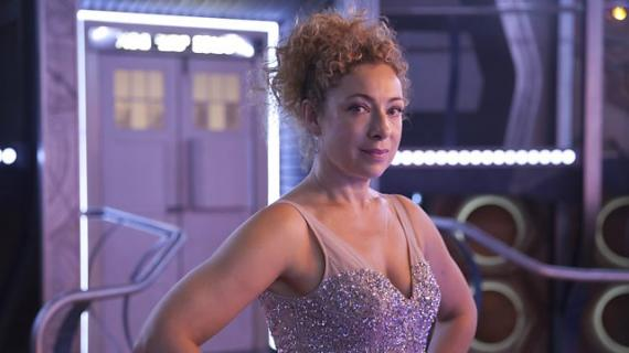 Alex Kingston como River Song