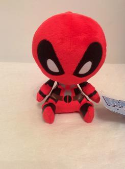ZBOX Zavvi Septiembre - Rebeldes: peluche Funko de Deadpool