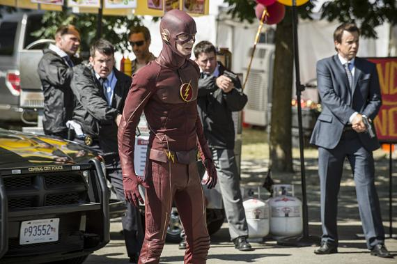 Imagen promocional de The Flash 2x01: The man who saved Central City