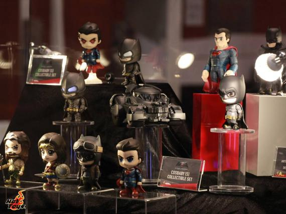 Figuras de Hot Toys de Batman v Superman: Dawn of Justice (2016) en la ToySoul 2015