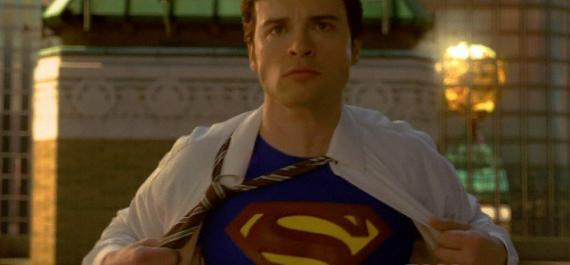 Tom Welling como Superman en el último episodio de Smallville