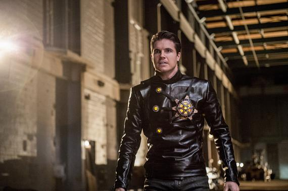 Imagen de The Flash 2x13: Welcome to Earth-2