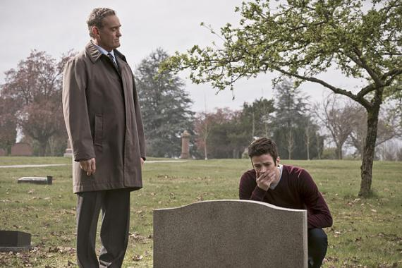 Imagen de The Flash 2x21: The Runaway Dinosaur