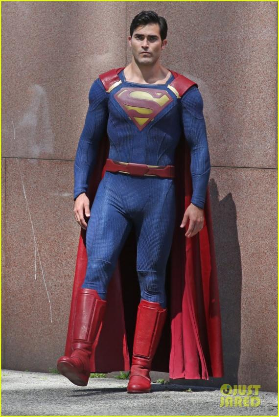 Superman en el set de la segunda temporada de Supergirl