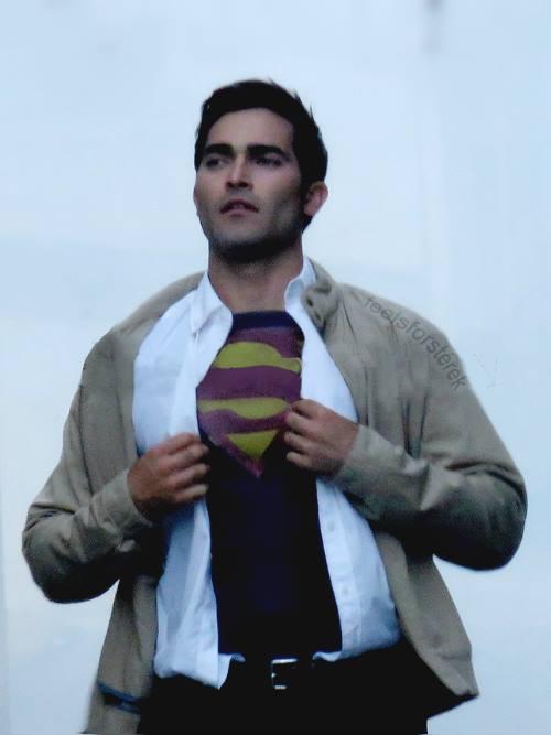 Superman en el set de la segunda temporada de Supergirl