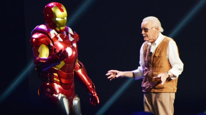 Stan Lee con Iron Man