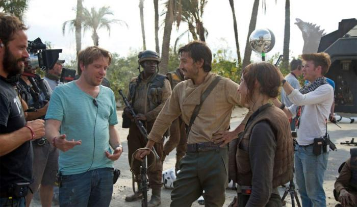 Imagen del set de Rogue One: Una historia de Star Wars (2016) con Godzilla de fondo