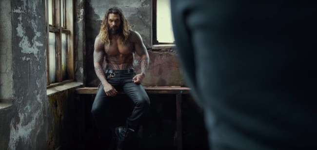 Jason Momoa como Aquaman en el set de Justice League (2017)