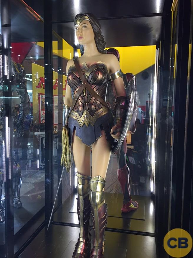 Traje de Wonder Woman expuesto en la San Diego Comic Con 2017)