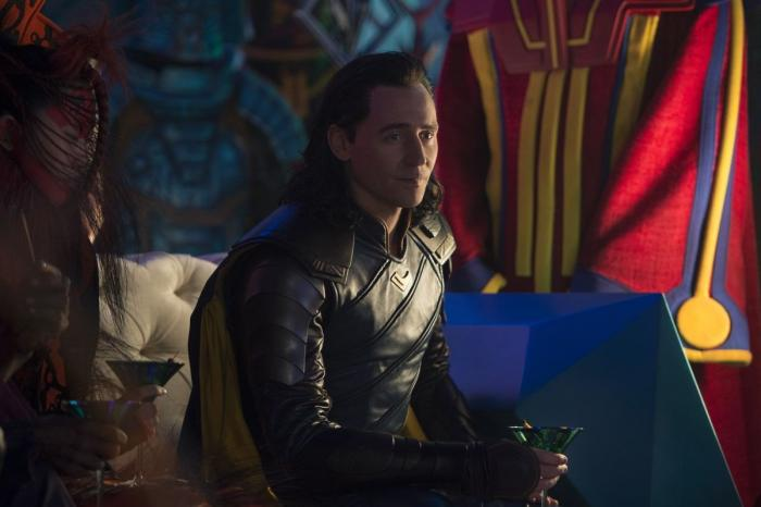 [Cine] Tom Hiddleston sorprendido de seguir presente en el MCU - BdS - Blog de Superh