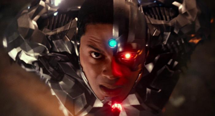 Captura del trailer final de Justice League / Liga de la Justicia (2017), Cyborg