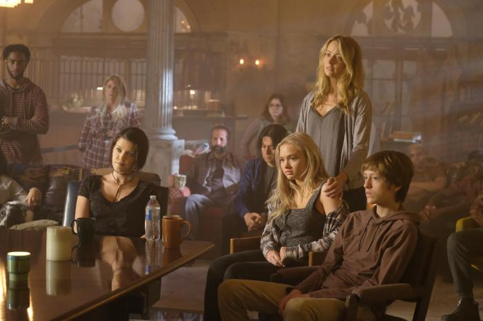 Imagen de The Gifted 1x04: eXit strategy (2017)