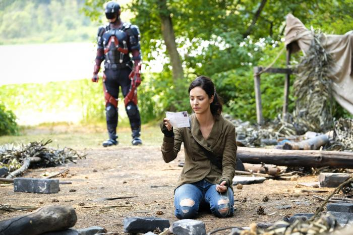 Imagen de Legends of Tomorrow 3x03: Zari