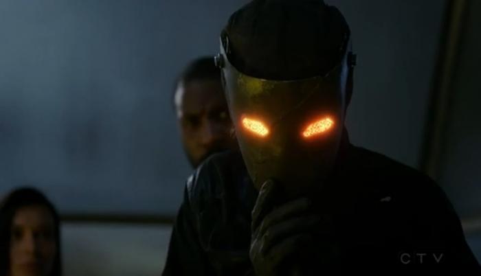Mordis quitándose la máscara (capítulo 6)
