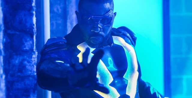 Black Lightning: 1×07: The Book of Fate