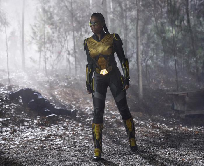 Imagen de Black Lightning 1x13, Shadow of Death: The Book of War