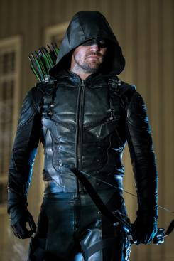 Imagen de Arrow 6x22: The Ties That Bind